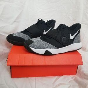 Nike KD Trey 5 VI SIZE 7Y